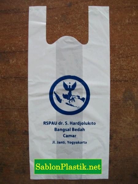 Sablon Plastik Kresek Jogja pesanan RSPAU dr. S. Hardjolukito