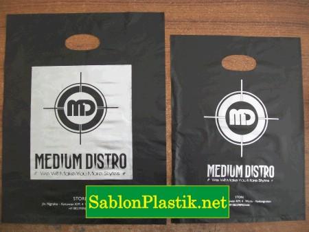Sablon Plastik Plong Blora pesanan Medium Distro