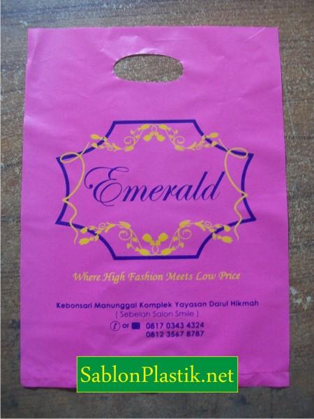 Sablon Plastik Plong Sidoarjo pesanan Emerald