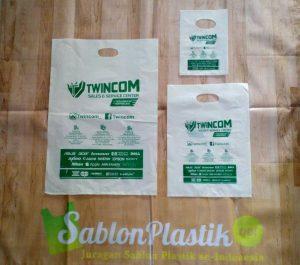 Sablon Plastik Plong Twincom dari Banjarbaru